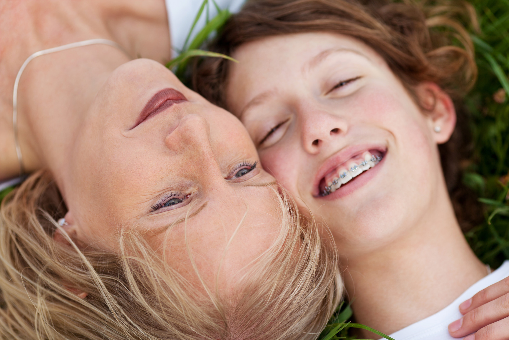 photodune-5127456-mother-and-daughter-lying-close-together-m-2